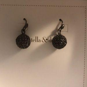Essential black and pavé drop earrings